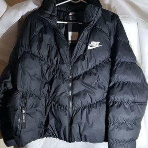 NWT Womens Nike Puffer Jacket